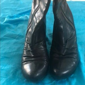 KORK EASE size 11, wedge boots